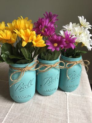 Distressed mason jar vases with silk flowers included! $13 for 3 you pick the jar/flower colors for Sale in Plainfield, IL