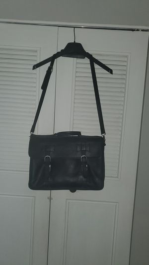 Genuine Coach Leather laptop messenger bag, blk leather for Sale in Palm Springs, CA
