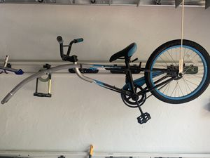 Trailer bike almost new for Sale in Hollywood, FL