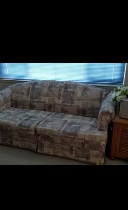FREE Sofa W Pull-out Bed for Sale in Sacramento,  CA