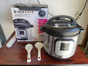 Instant pot 7-in-1 multipurpose cooker 8qt for Sale in Anaheim, CA