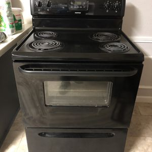 Stove And Microwave for Sale in Cedar Hill, TX
