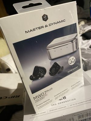 Master &dynamic mw07plus earbuds for Sale in Garden Grove, CA