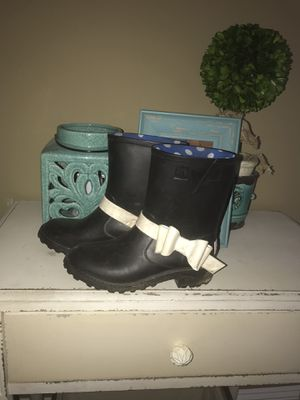 Raining boots for Sale in Hope Mills, NC