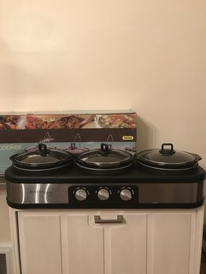 Kitchen Loving triple slow cooker for Sale in Rocky River, OH