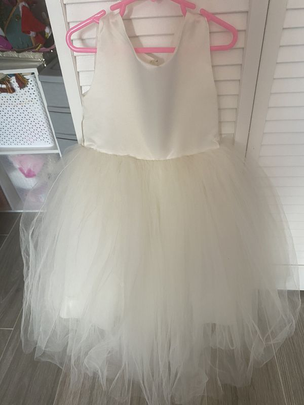 cream flower girl dress perfect condition
