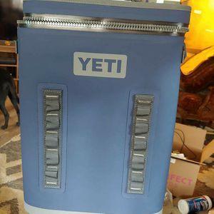 Yeti Hopper Backflip 24 Backpack Cooler for Sale in Winkelman, AZ