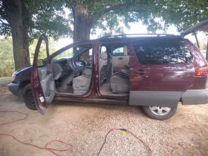 2000 Toyota sienna for Sale in Nashport, OH