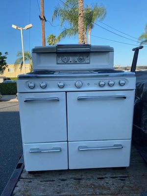 ANTIQUE STOVES WESTERN HOLLY & O'KEEFE MERRITT for Sale in Santa Ana, CA