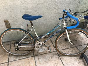 """24"""" vintage Columbia 10 speed for Sale in Westerville, OH"""
