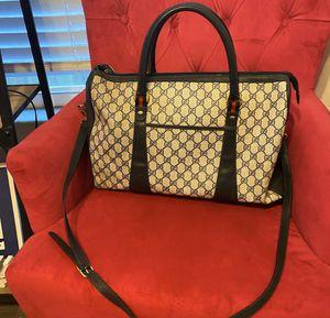 Gucci duffel bag for Sale in Brandon, FL