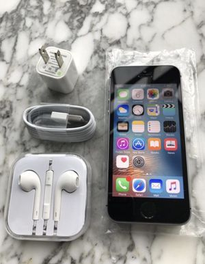 Highly Top Rated Seller | iPhone SE Space Gray Grey 16 GB Mint Condition Tmobile Lyca Mobile Metro PCS Simple Mobile Accessories for Sale in New York, NY