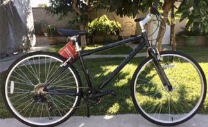 """Schwinn Men's Median 28""""/700c Hybrid Bike - Black for Sale in Irwindale, CA"""