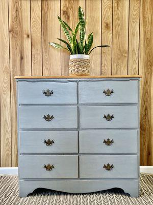 8 drawer dresser for Sale in Rolling Hills Estates, CA