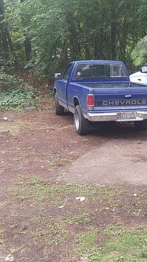 92 chevy s10 clean title runs ok 5 speed for Sale in Everett, WA