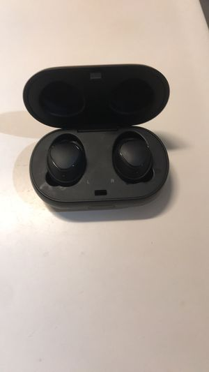 Samsung Bluetooth headphones(price negotiable) for Sale in Aurora, CO