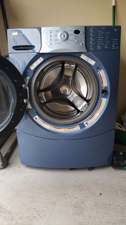 Front Load Kenmore Washer for Sale in Fife,  WA