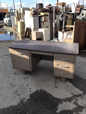 All steel vintage tanker desk from the 60s. $150 for Sale in Downey, CA