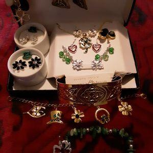 Irish Jewelry 13 Pieces! for Sale in Swansea, MA