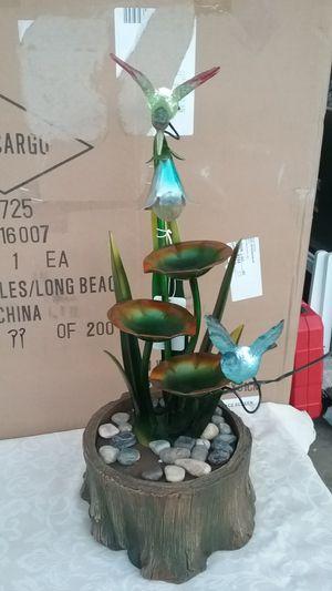 Fuente esta nueva trae su pompa incluida tiene luz .ala bes for Sale in Fontana, CA