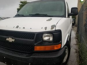2004 Chevy 2500 3/4 ton cargo van for Sale in Fort Lauderdale, FL