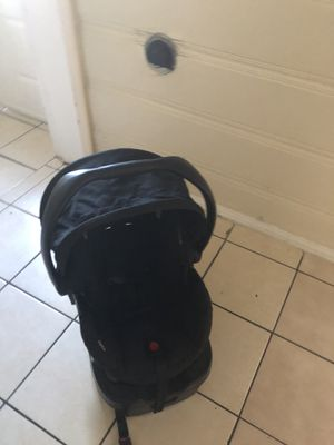 Britax Car seat. Infant car seat, comes with base. for Sale in Compton, CA