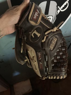 Softball glove for Sale in Fresno, CA