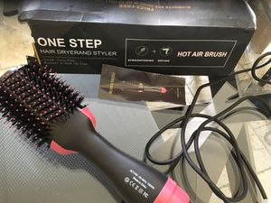 One Step hair Brush new open box for Sale in Los Angeles, CA