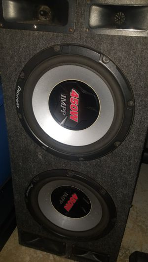 Speakers pioneer and 2000w receiver for Sale in Burtonsville, MD