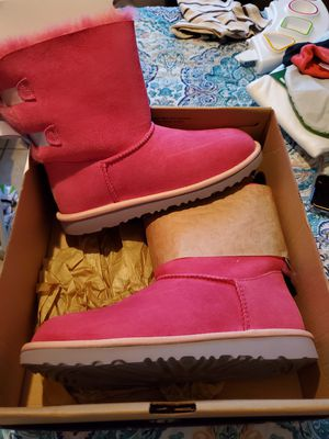 Ugg boots pink for Sale in Fort Worth, TX