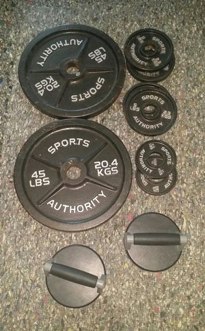 """Olympic size weights 115lbs. 2"""" in diamter. 2x45lbs, 4x5lbs, 2x2.5lbs and perfect pushups for Sale in Coconut Creek, FL"""