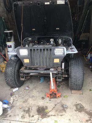 Wrangler jeep 4x4 runs! Needs paint n some body work for Sale in Philadelphia, PA