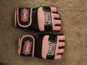 MMA Fighting Gloves for Sale in Chicago, IL