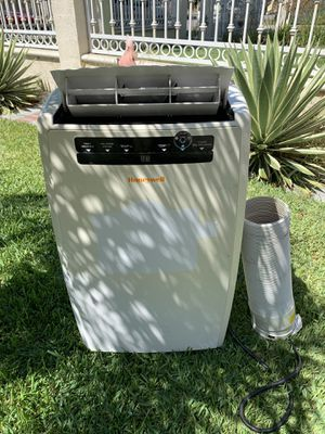 Digital Honeywell portable air conditioner 10.000 btu. In good working conditions for Sale in Los Angeles, CA