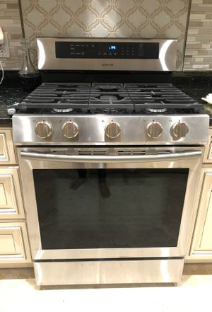 Samsung oven for sale new in closed box it's gas for Sale in Sully Station, VA