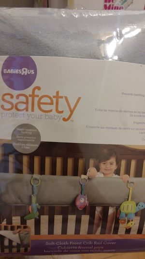 Soft cloth front crib rail cover for Sale in Chicago, IL