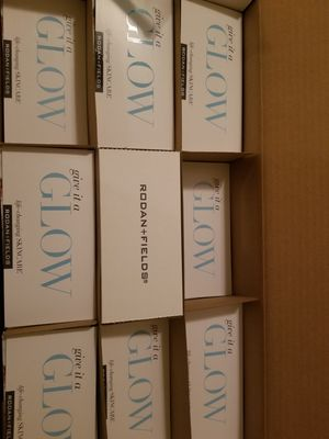 Rodan and fields mini facial samples for Sale in El Paso, TX