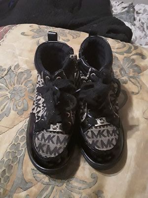 Micheal kors Toddler boots for Sale in Memphis, TN