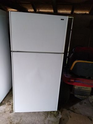 Refrigerator Excellent condition for Sale in Evansville, IN