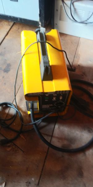 MIG welder $100 location Rockland Mass 02370 for Sale in Rockland, MA