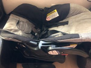 Baby trend car seat and base for Sale in Kapolei, HI