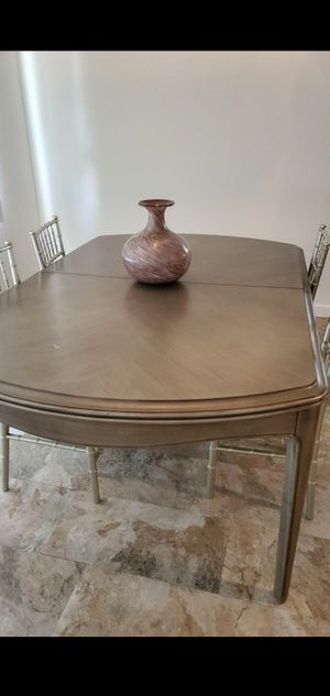 Kitchen table with 4 chair for Sale in West Covina, CA