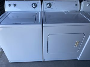 Whirlpool washer and electric dryer set for Sale in Las Vegas, NV