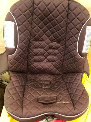 Car Seat with base. Porta bebe incluye base para carro for Sale in Huntington Park, CA