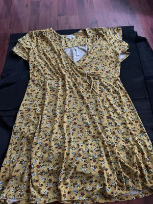 Yellow flowered dress for Sale in San Leandro, CA