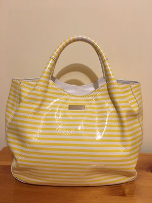 Kate Spade ivory/ yellow striped leather purse/ bag for Sale in Barrington, IL