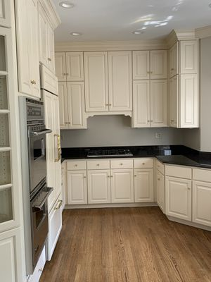 Kitchen Cabinets, Appliances, & More (Viking, Bosch, Shaws, Waterworks) for Sale in Hinsdale, IL