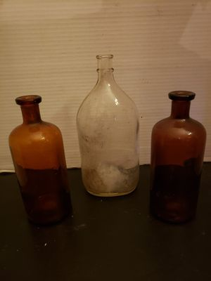 "3 Vintage Apothecary bottles ($12 for all 3) clear 8"" brown 6"" tall for Sale in Columbus, OH"