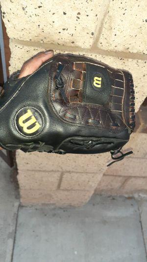 "Wilson 12"" baseball glove for Sale in San Diego, CA"