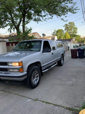 1997 Chevy Silverado k1500 for Sale in McCook, IL